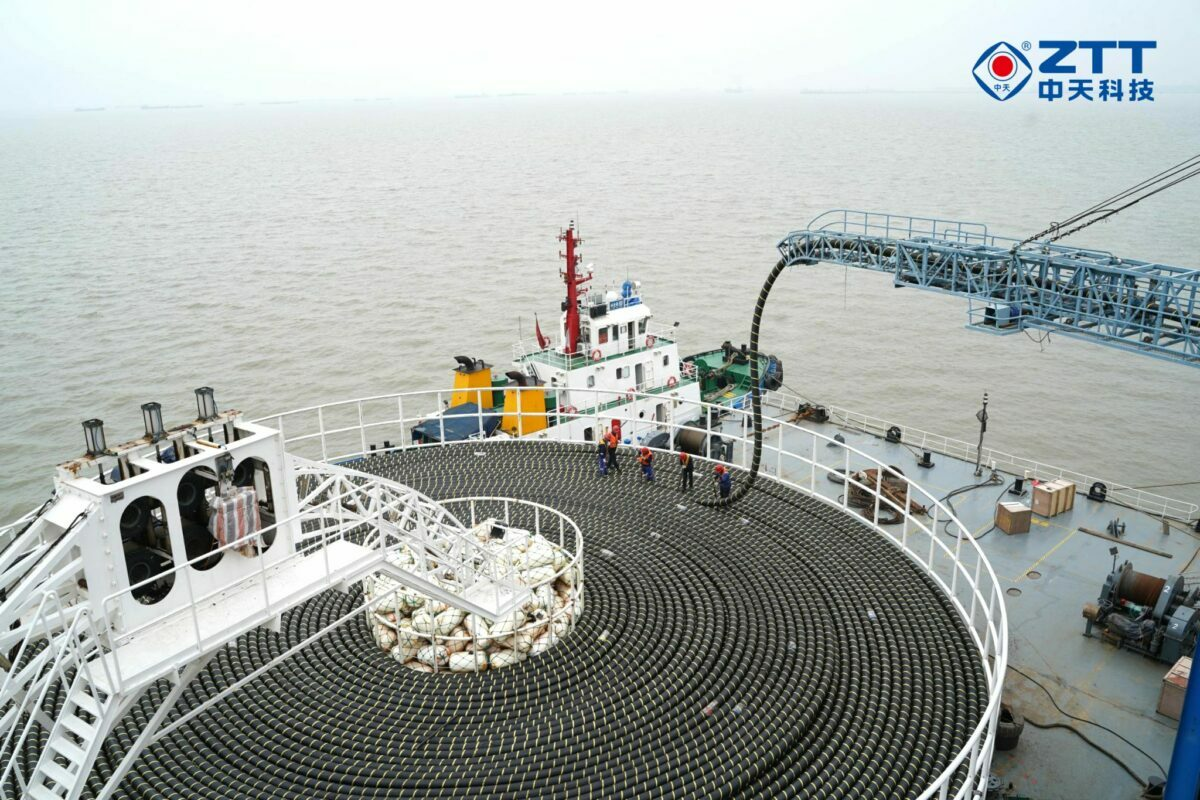 ZTT-delivers-submarine-cable-system-e1621598928796.jpg